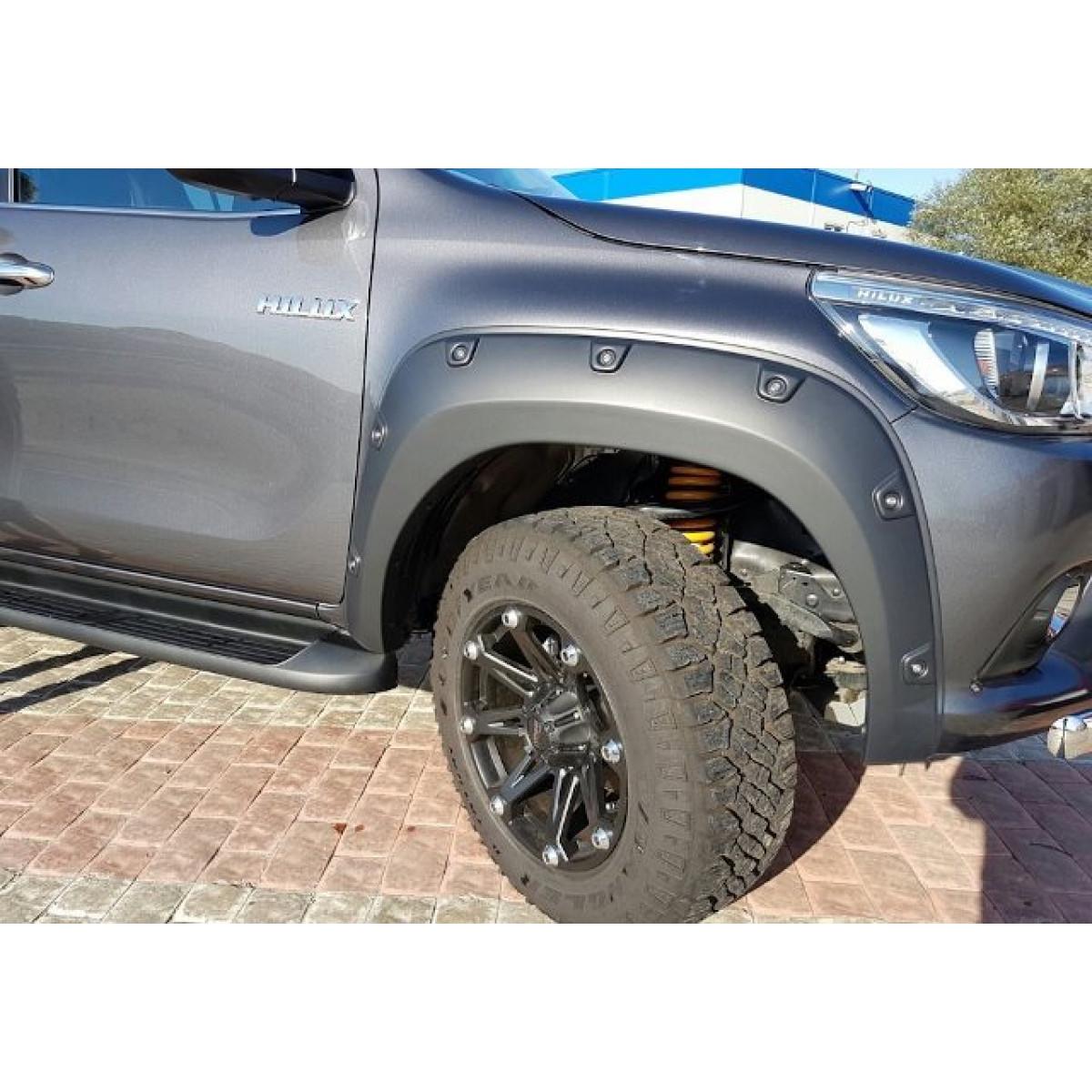 Расширители колесных арок Toyota Hilux 2016+ (Offroad V2)